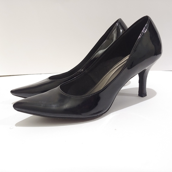 Comfort Plus Black Pumps Pointed Toe Shoe Heels 8
